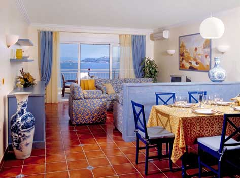 SKIPER APPARTMENTS & SKIPER SUITES 4*