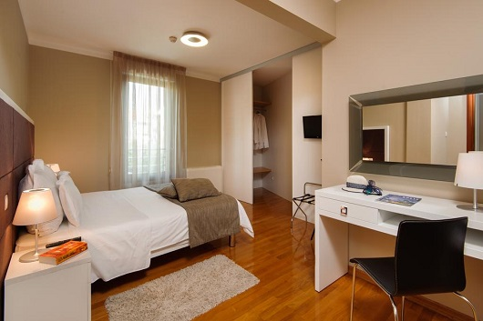 THE RESIDENCE HOTEL  4*